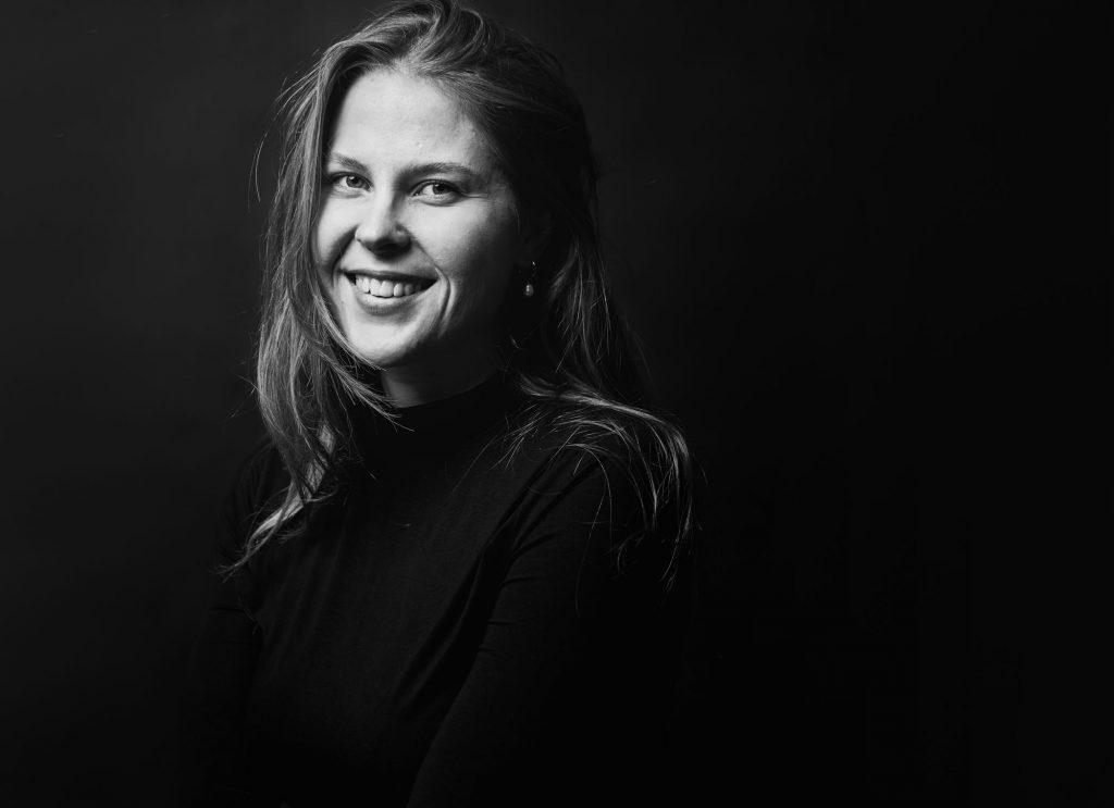 Fotograf Mona Eendra